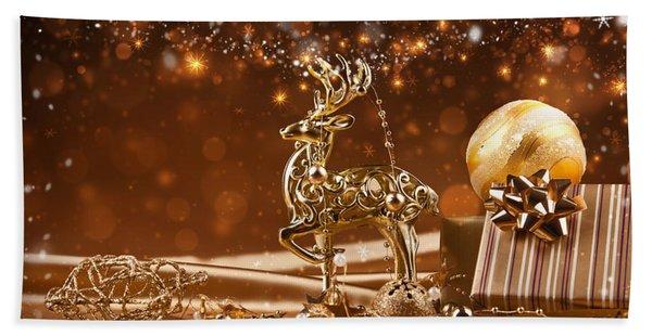 Christmas Reindeer In Gold Bath Towel