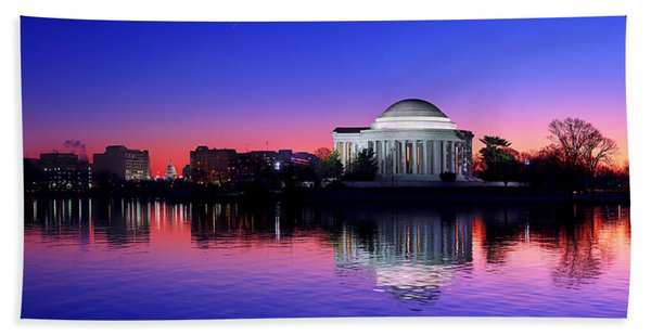 Clear Blue Morning At The Jefferson Memorial Bath Towel