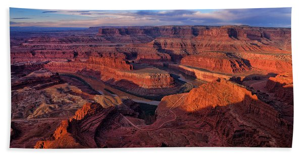 Bath Towel featuring the photograph Dead Horse Point Sunrise by Greg Norrell