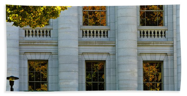 Fall At The Capitol Bath Towel