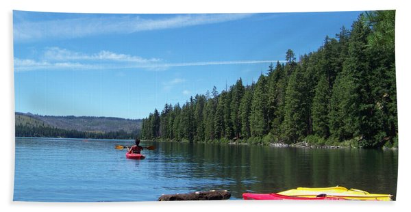 Kayaking On Suttle Lake Hand Towel