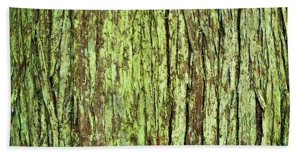 Moss On Tree Bark Bath Towel