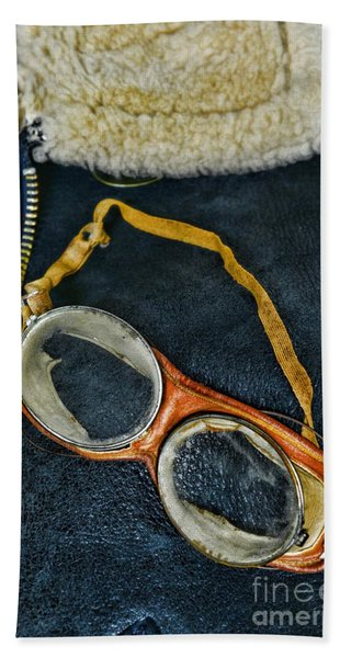 Pilot - Vintage Aviation Goggles Bath Towel