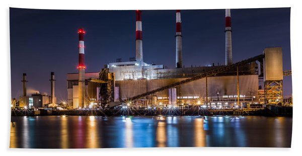 Hand Towel featuring the photograph Ravenswood Generating Station by Mihai Andritoiu