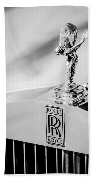 Hand Towel featuring the photograph Rolls-royce Hood Ornament -782bw by Jill Reger