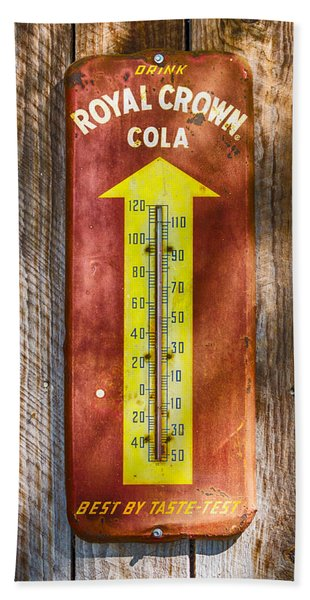 Bath Towel featuring the photograph Royal Crown Barn Thermometer by Carolyn Marshall