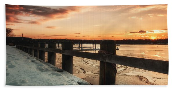 Snowy Sunset In Northport New York Hand Towel