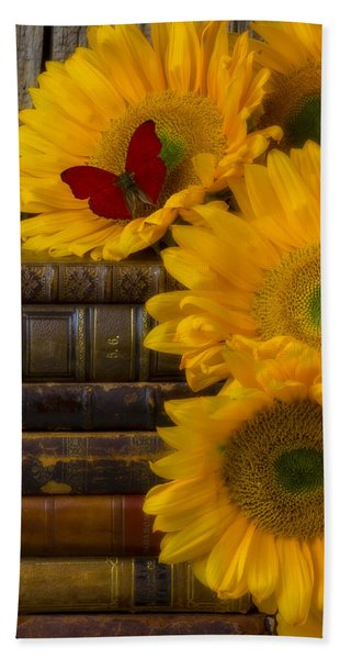 Sunflowers And Old Books Bath Towel