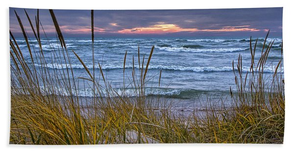 Sunset On The Beach At Lake Michigan With Dune Grass Hand Towel