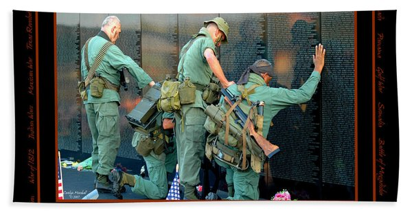 Bath Towel featuring the photograph Veterans At Vietnam Wall by Carolyn Marshall