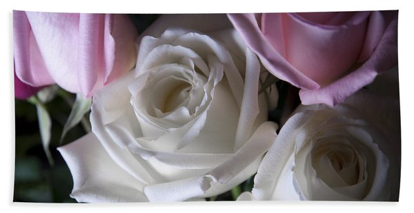 White And Pink Roses Bath Towel