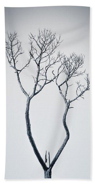 Bath Towel featuring the photograph Wishbone Tree by Carolyn Marshall