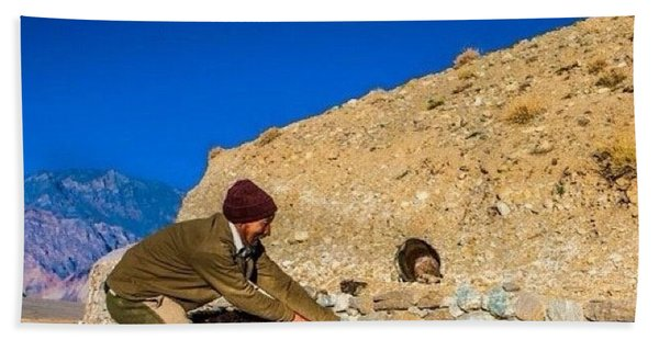 Yak Wrangling In Zanskar Bath Towel