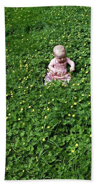 Bath Towel featuring the photograph Baby In A Field Of Flowers by Lorraine Devon Wilke