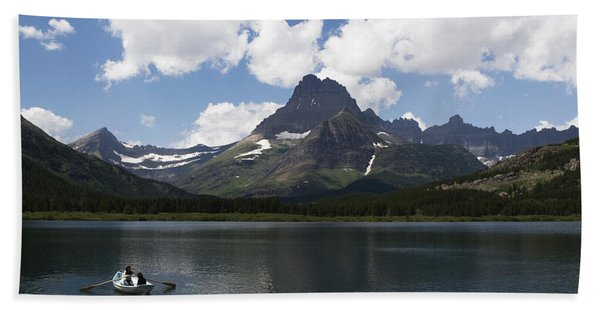Bath Towel featuring the photograph Rowboat At Many Glacier by Lorraine Devon Wilke