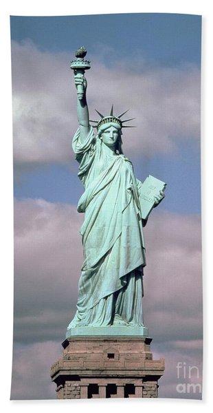 The Statue Of Liberty Bath Towel