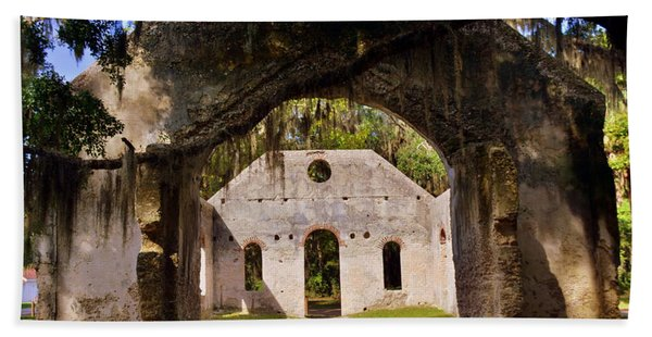 A Look Into The Chapel Of Ease St. Helena Island Beaufort Sc Bath Towel
