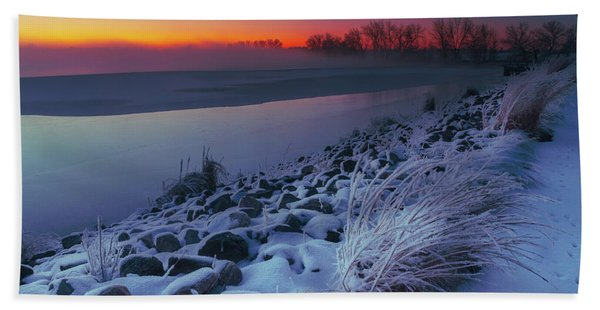 Hand Towel featuring the photograph A Sunrise Cold by John De Bord