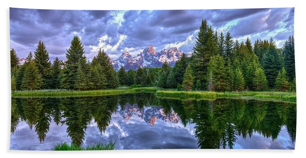 Alpenglow In The Tetons Bath Towel