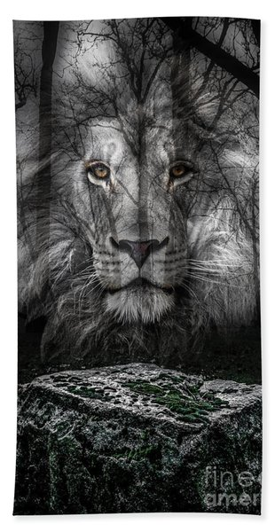 Aslan And The Stone Table Bath Towel