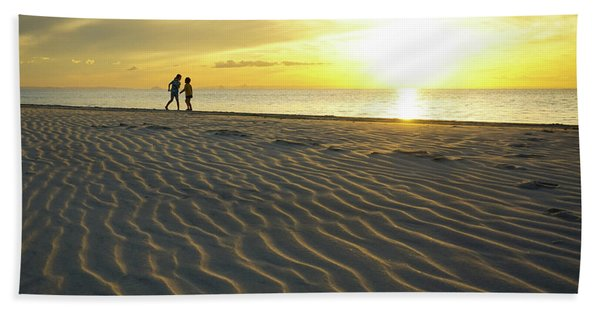 Beach Silhouettes And Sand Ripples At Sunset Hand Towel