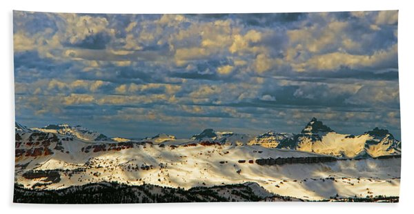 Bear Tooth Mountain Range Bath Towel