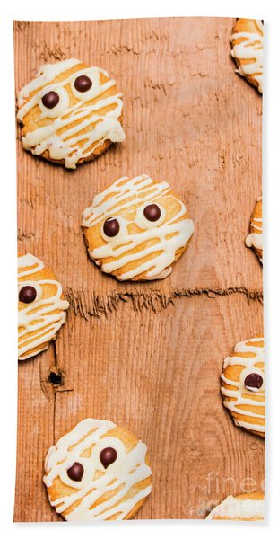 Biscuit Gathering Of Monster Mummies Bath Towel