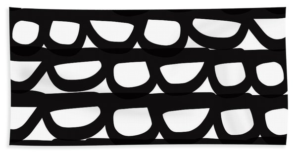 Black And White Pebbles- Art By Linda Woods Bath Towel