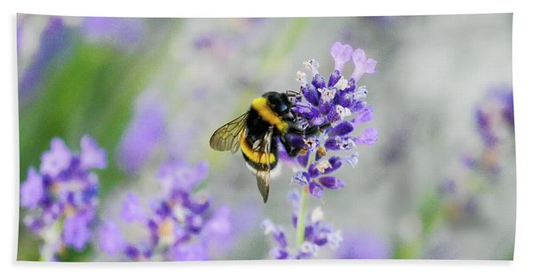 Bath Towel featuring the photograph Bumblebee by Bee-Bee Deigner