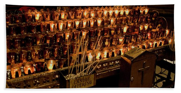 Bath Towel featuring the photograph Candle Offerings St. Patrick Cathedral by Lorraine Devon Wilke