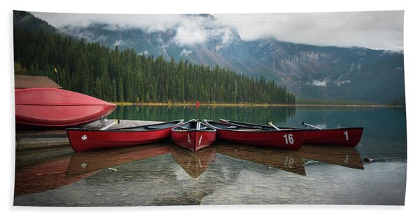 Hand Towel featuring the photograph Canoes At Emerald Lake by James Udall