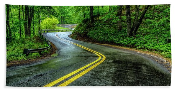 Country Road In Spring Rain Bath Towel