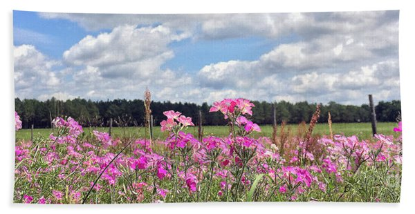 Country Roads Bath Towel