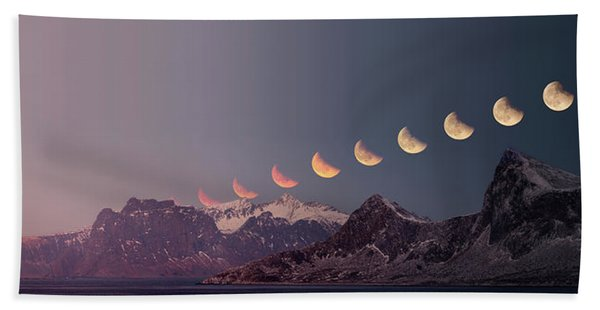 Eclipse Panorama Hand Towel