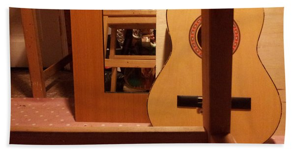 Edgeworth Acoustic Guitar Bath Towel