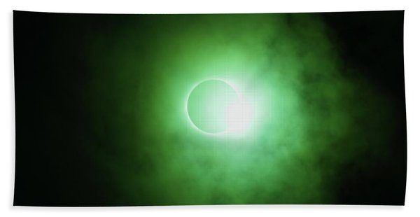 End Of Totality Bath Towel