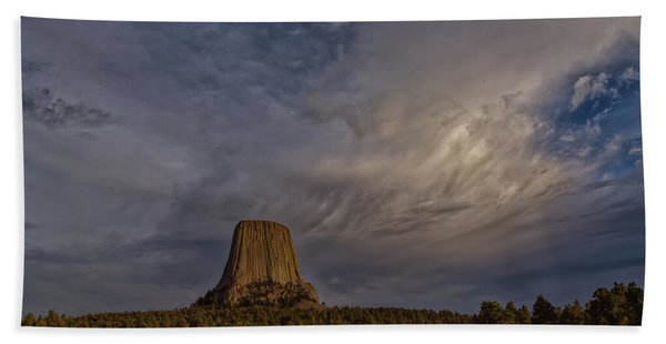Evening Time At Devils Tower Bath Towel