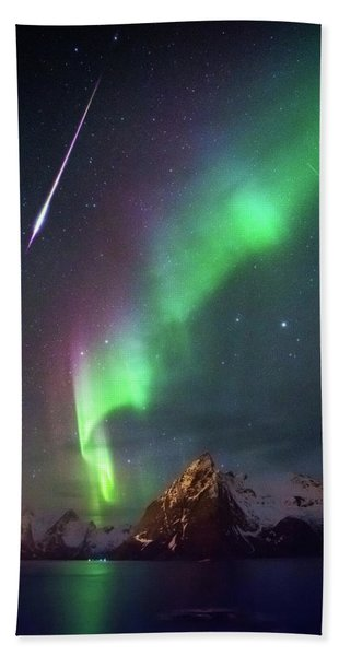 Fireball In The Aurora Bath Towel