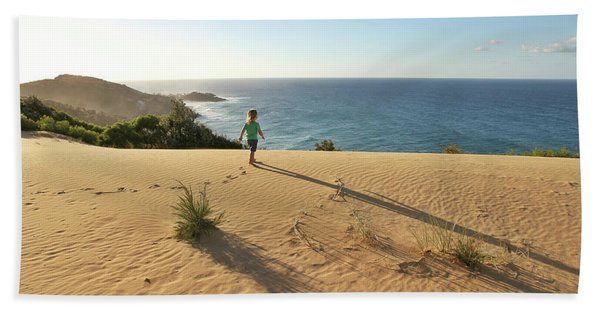 Footprints In The Sand Dunes Bath Towel