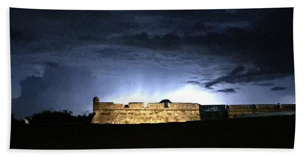 Lightening At Castillo De San Marco Bath Towel