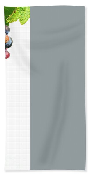 Grapes On Vine Bath Towel