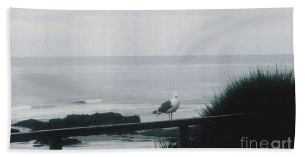 Gull On A Rail Bath Towel