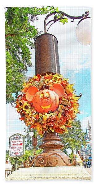 Halloween In Walt Disney World Bath Towel