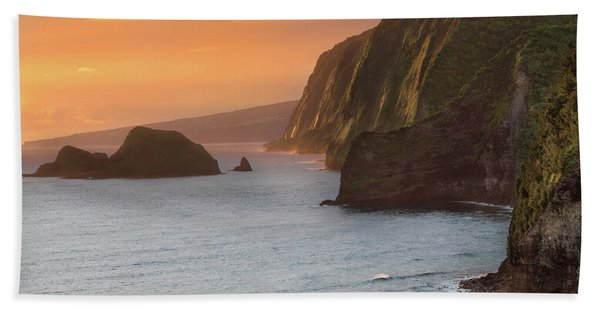 Hawaii Sunrise At The Pololu Valley Lookout 2 Hand Towel