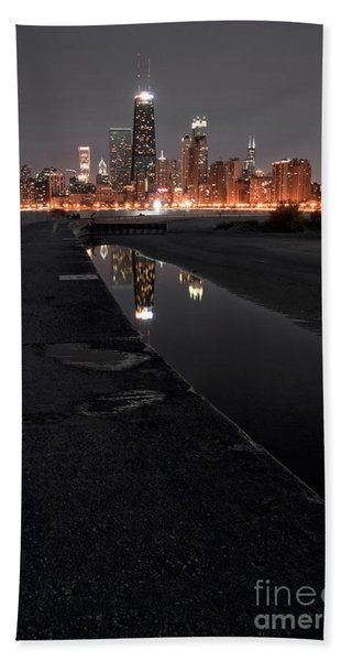 Chicago Hot City At Night Bath Towel