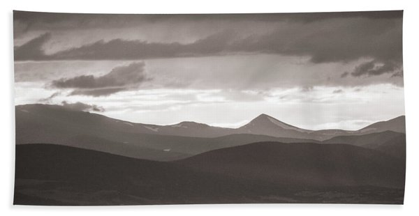 Into The Sunset - Bw Bath Towel