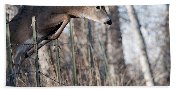 Jumping White-tail Buck Bath Towel