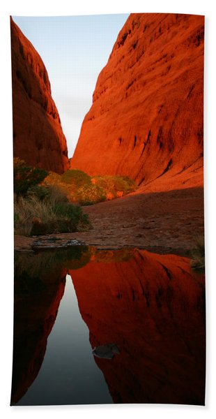Late Afternoon Light And Reflections At Kata Tjuta In The Northern Territory Hand Towel
