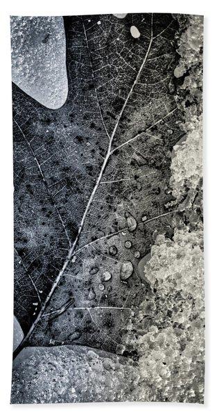 Leaf On Ice Bath Towel