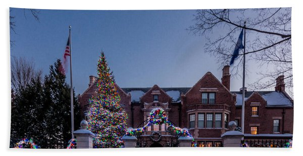 Bath Towel featuring the photograph Christmas Lights Series #6 - Minnesota Governor's Mansion by Patti Deters